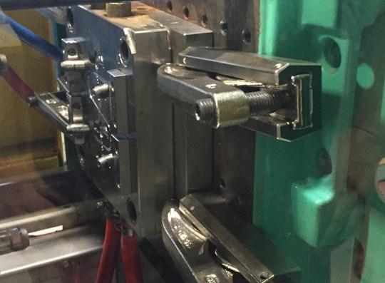 Lenzkes mould clamps - UK Plastics News