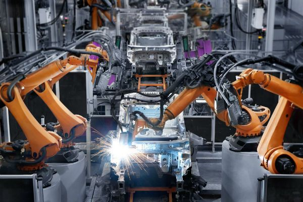 Plastic news automotive manufacturing