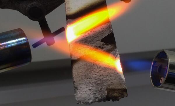 Plastics news Fire Testing PE cladding