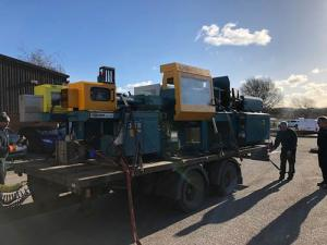 Plastics news machinery moving