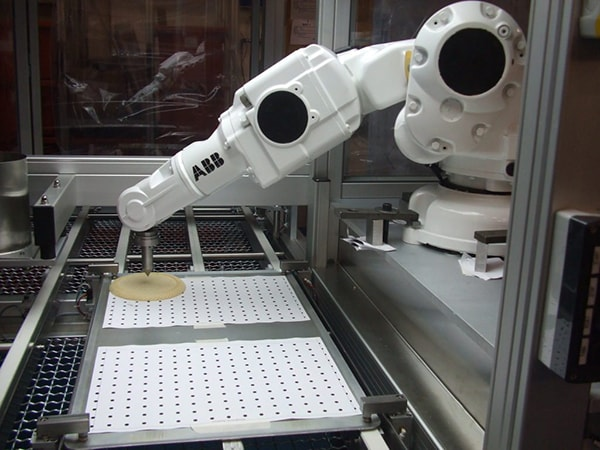 Plastics news Advantages and Disadvantages of Industrial Robots