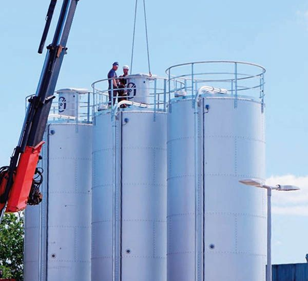 Plastics news silo installation at Danfoss
