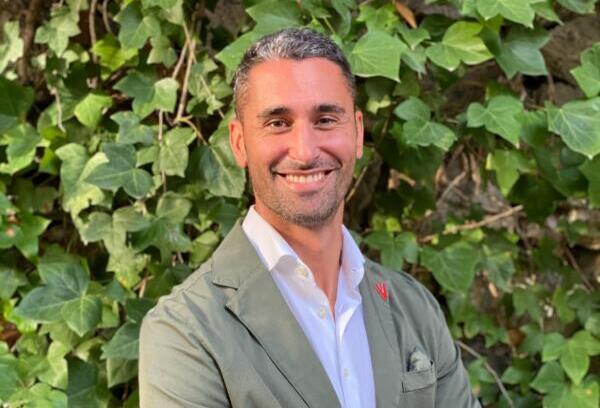 Alex Moreno, Vanden