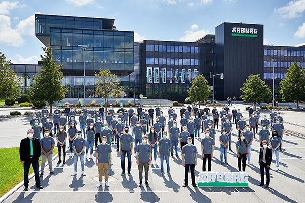Arburg: New Round of Apprentices and Students