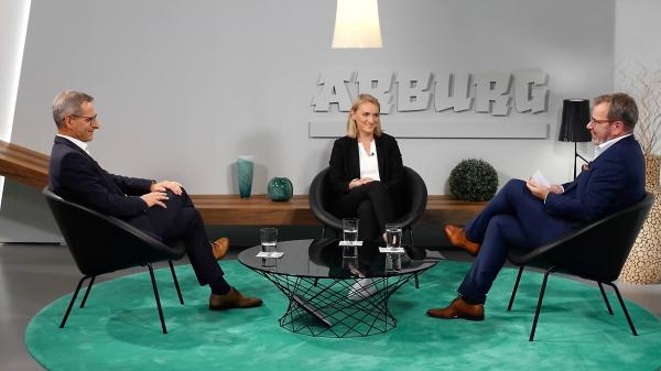 Arburg experts discussing the Gestica control system: arburgxvision